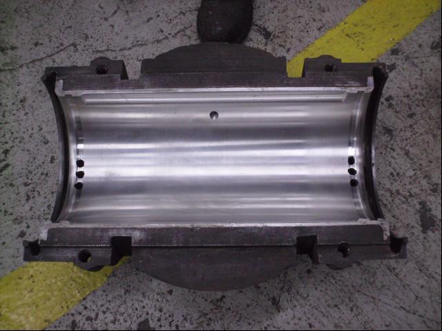Journal bearings keep industrial machines running smoothly for Electric motor sleeve bearing lubrication